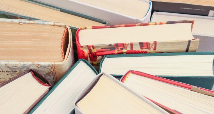books-1194457_1280